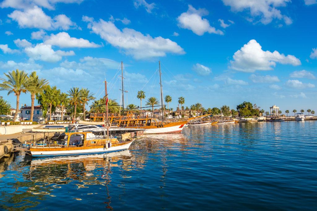 Wassertemperatur Side: Der Hafen von Side