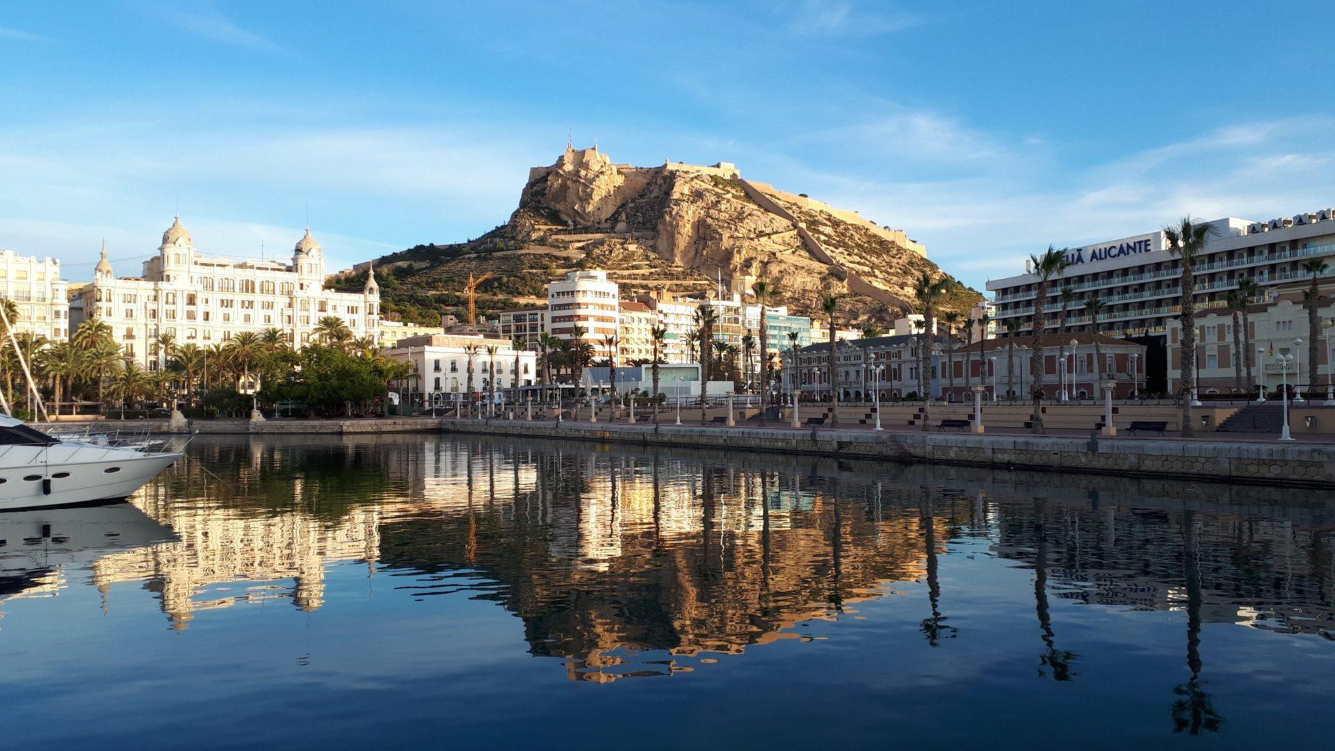 Wassertemperatur Alicante: Burg Castillo de Santa Bárbara