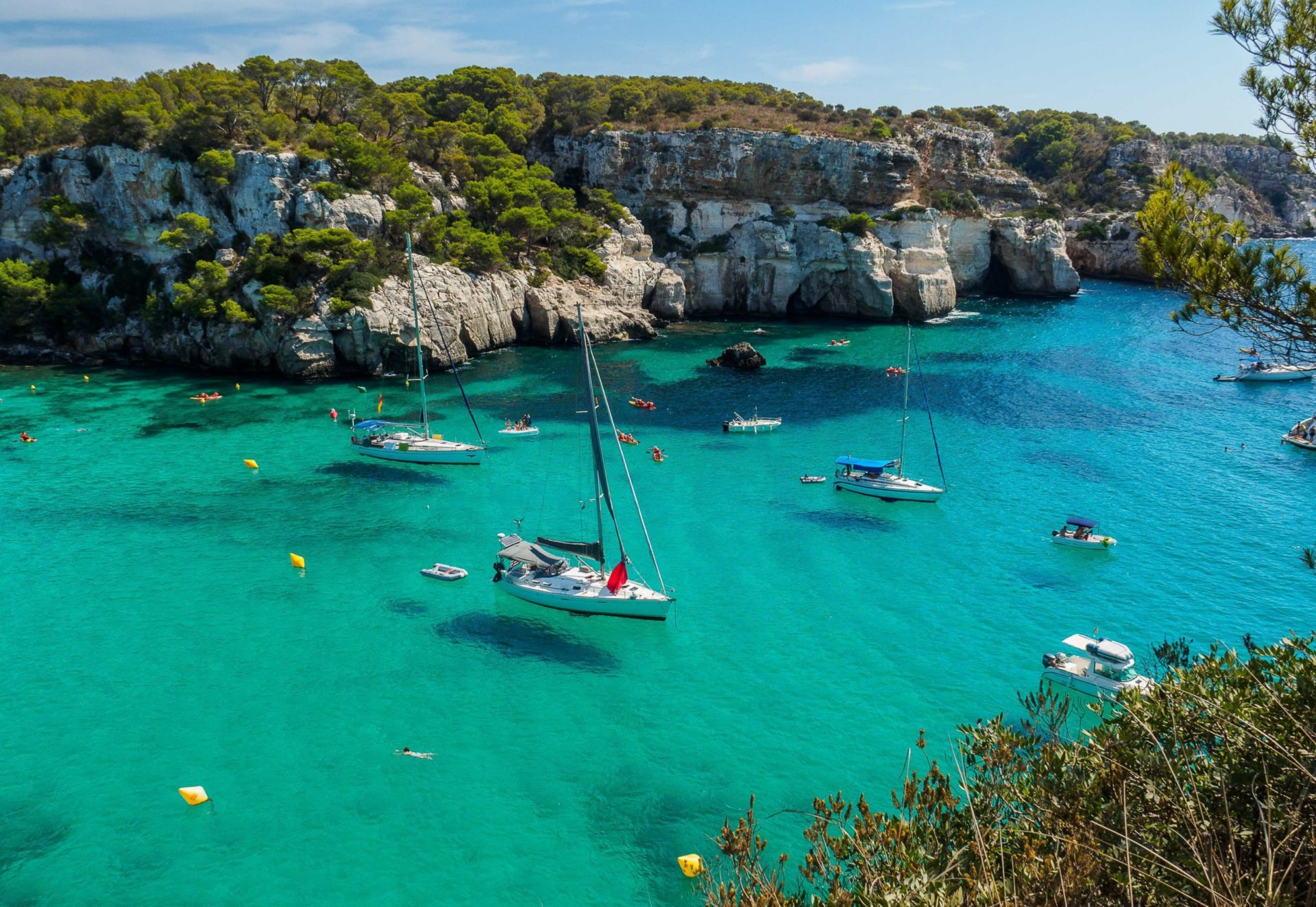 Wassertemperatur Menorca: Traumhaft türkisfarbene Bucht Cala Macarella